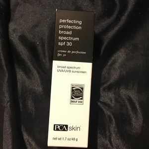 PCA Perfecting Protection Broad Spectrum SPF 30